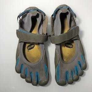 Vibram five fingers barefoot running shoes women